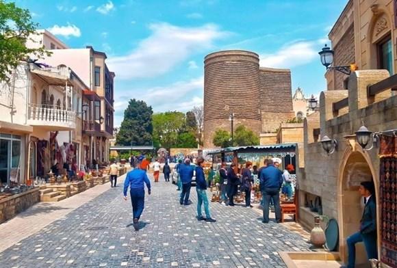 ask iyundan azərbaycanın turizm sektorunun canlanması gözlə
