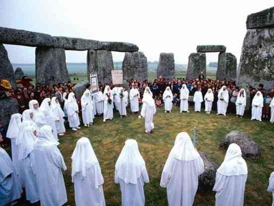 paganizm fəlsəfəsi